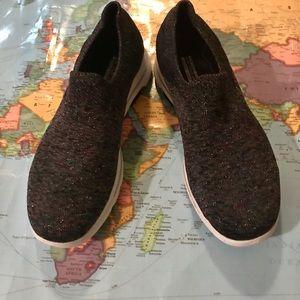 NWOT Skechers Sweater Sneakers, 10